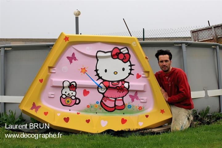 Décoration de manère à l'aérographe par Laurent BRUN - HELLO KITTY